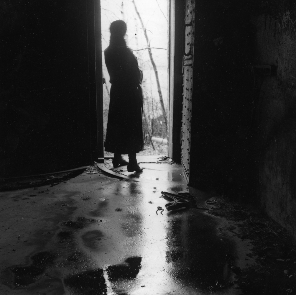 Art and Documentary Photography - Loading 1_Ellis_Island_Self-Portrait_1988_.jpg