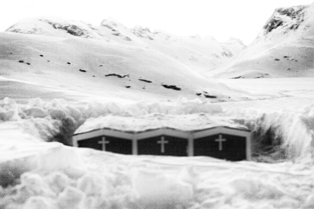 Art and Documentary Photography - Loading ArcticSpleen_Visura2011_35.jpg