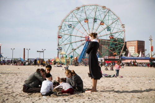 Coney Island - Passover Break (Chol Hamoed) - Photography project by Erica Price