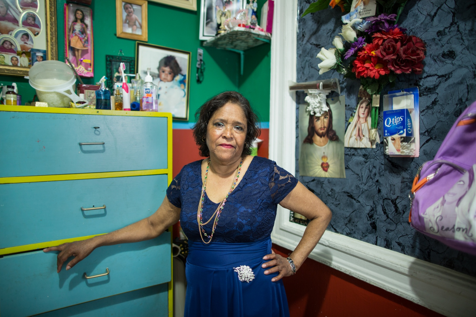 Irma Verduzco is from Morelia, Michoacán, México. She came to New York 26 years ago, crossed the border with one of her two children. Actually, she has three jobs: cleaning houses, as a babysitter and picking up plastic bottles out on the streets. She lives in Sunset Park, Brooklyn, New York.