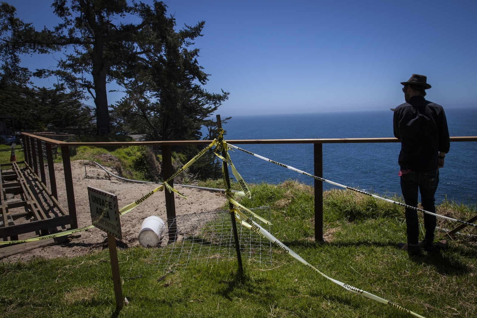 Art and Documentary Photography - Loading 50_BigSur_Rice.jpg