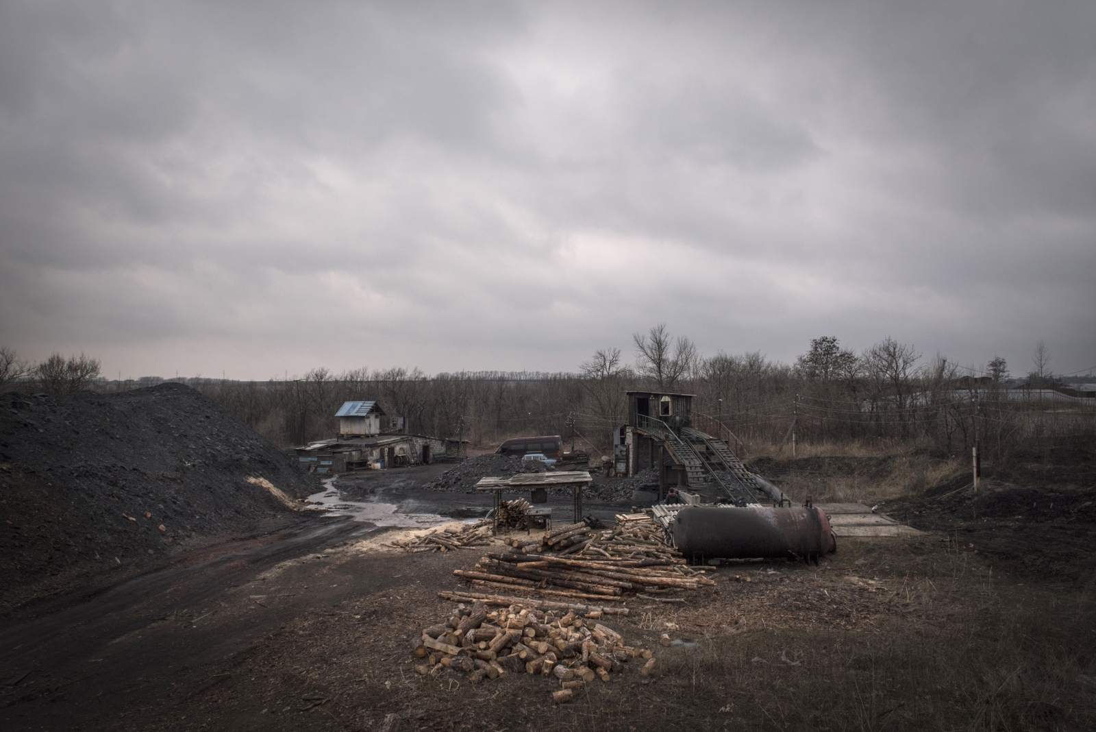 Art and Documentary Photography - Loading Donbass_stories_-_Evgeny06.jpg