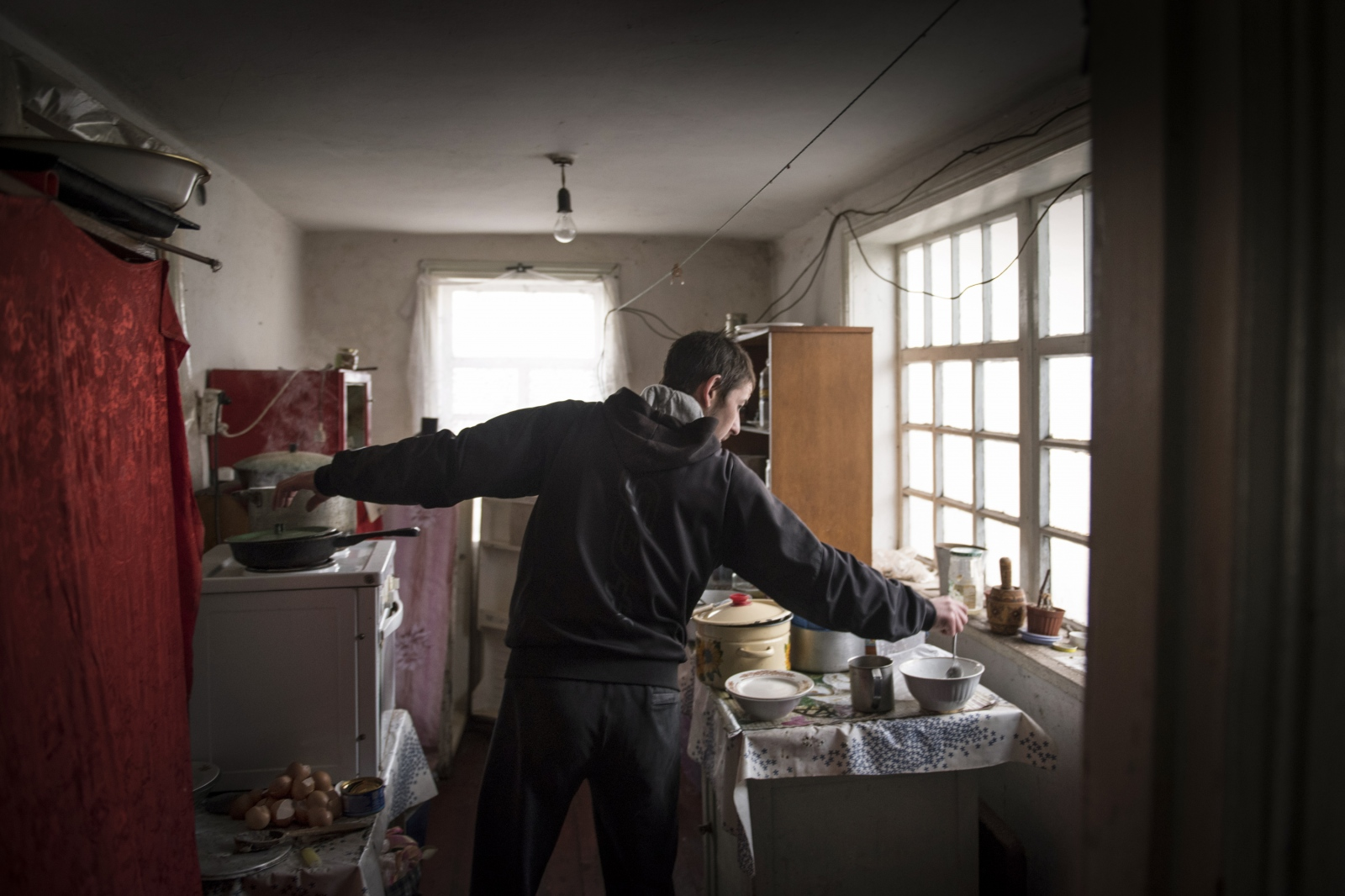 Art and Documentary Photography - Loading Donbass_stories_-_Evgeny29.jpg