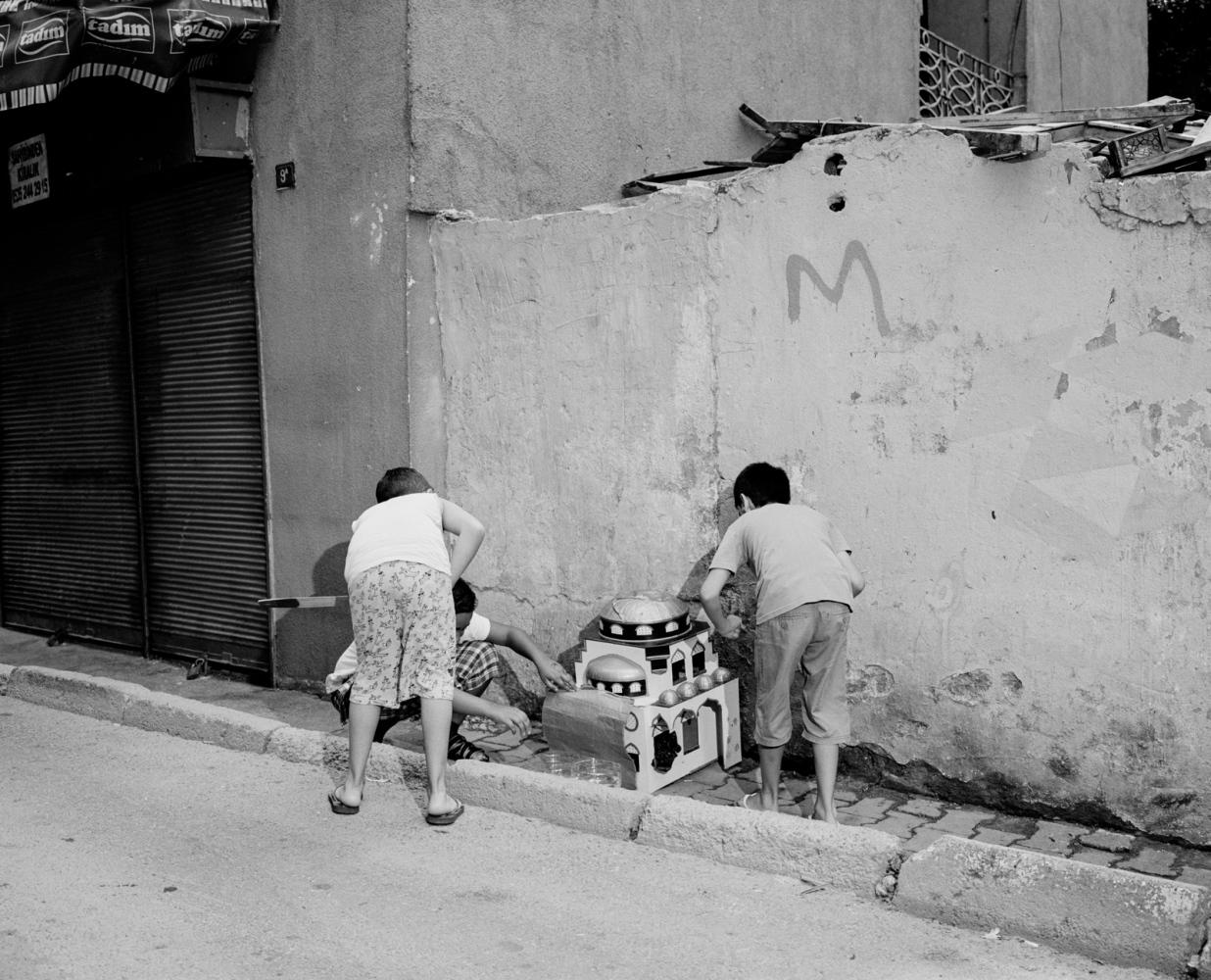 Art and Documentary Photography - Loading PascalVossen_UUU-7.jpg