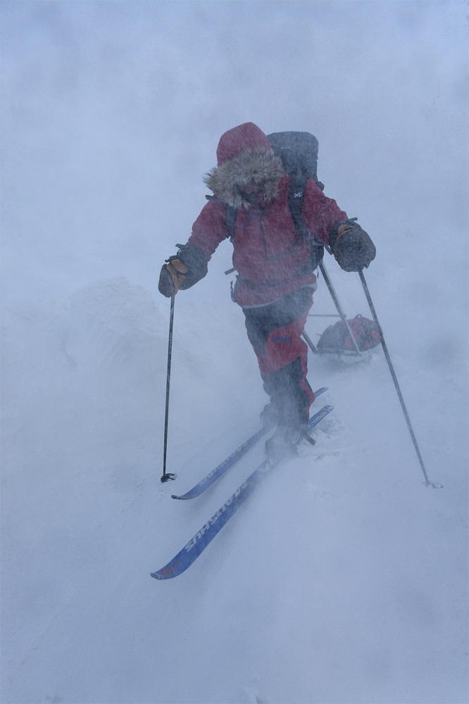 Art and Documentary Photography - Loading 14_Ario_negotiates_blizzard_conditions__06R3747.jpg