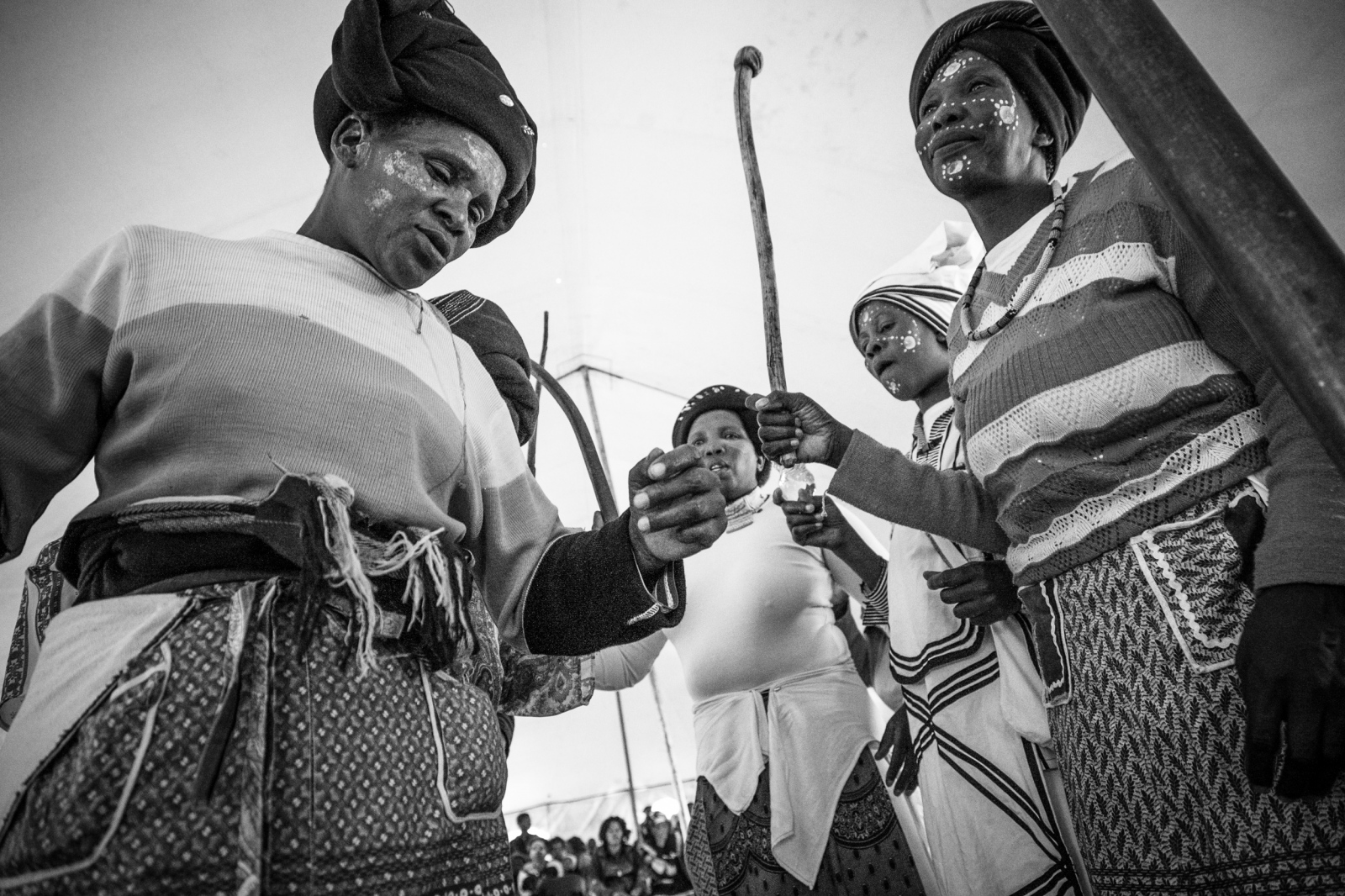 Art and Documentary Photography - Loading Nathalie_Bertrams_Sangomas_18.jpg