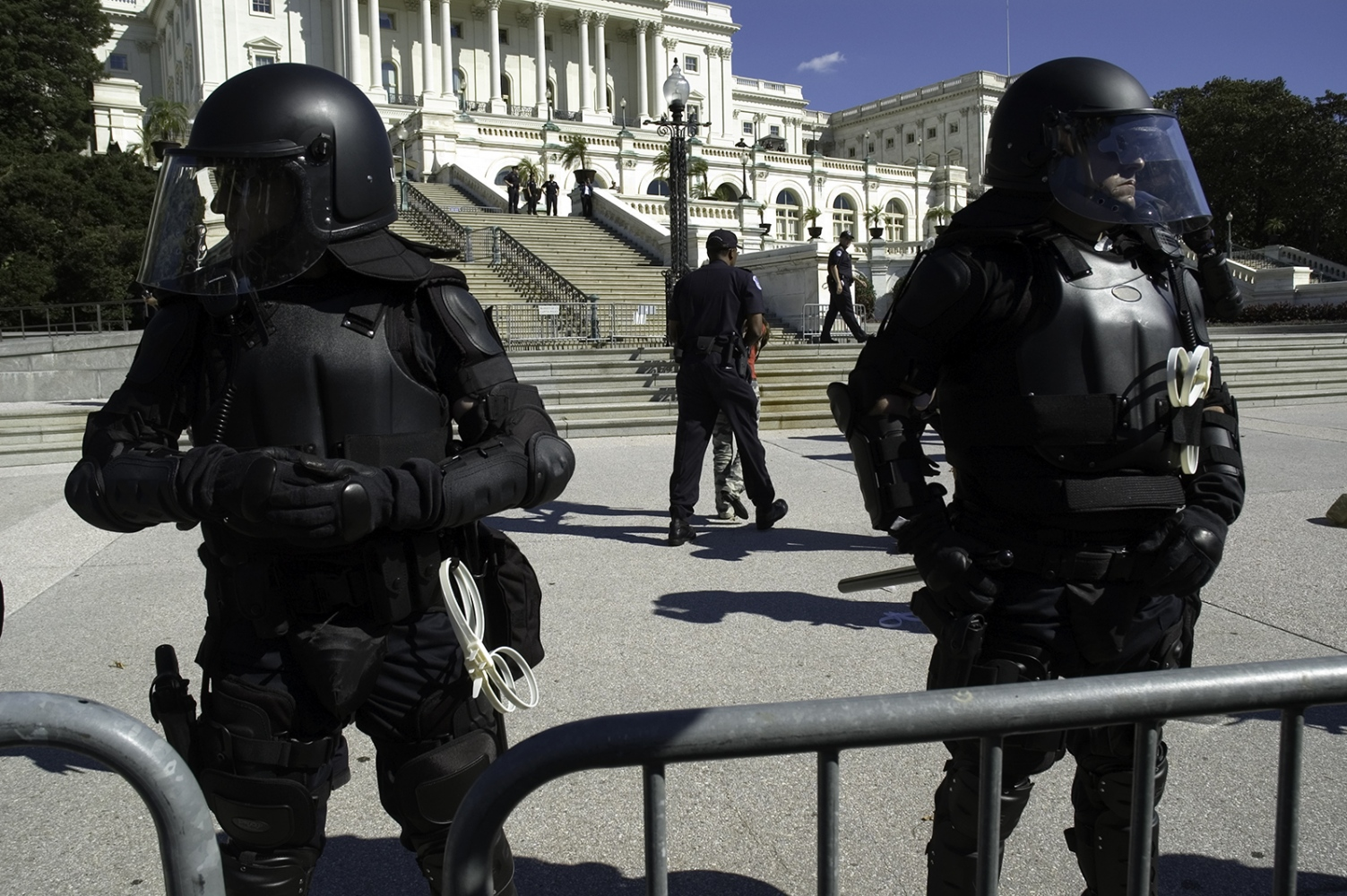 Art and Documentary Photography - Loading _robo_cops_at_capitol.jpg