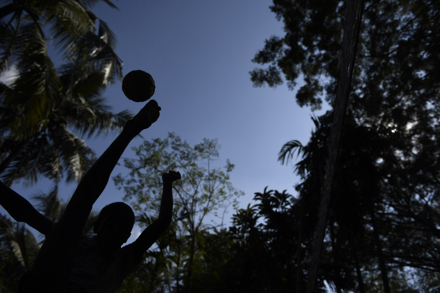 Art and Documentary Photography - Loading Rohingya_03.jpg
