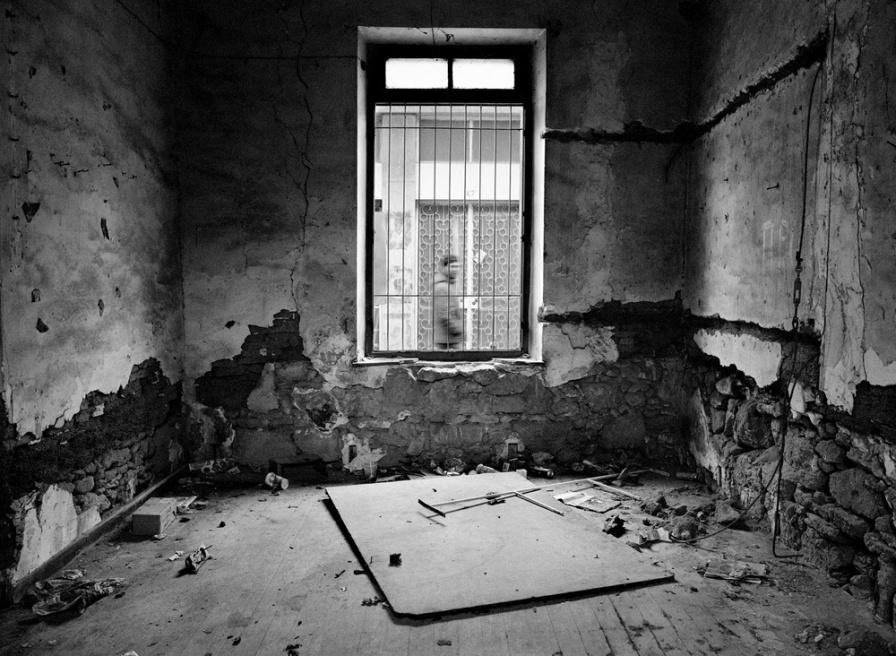 Art and Documentary Photography - Loading 08.jpg