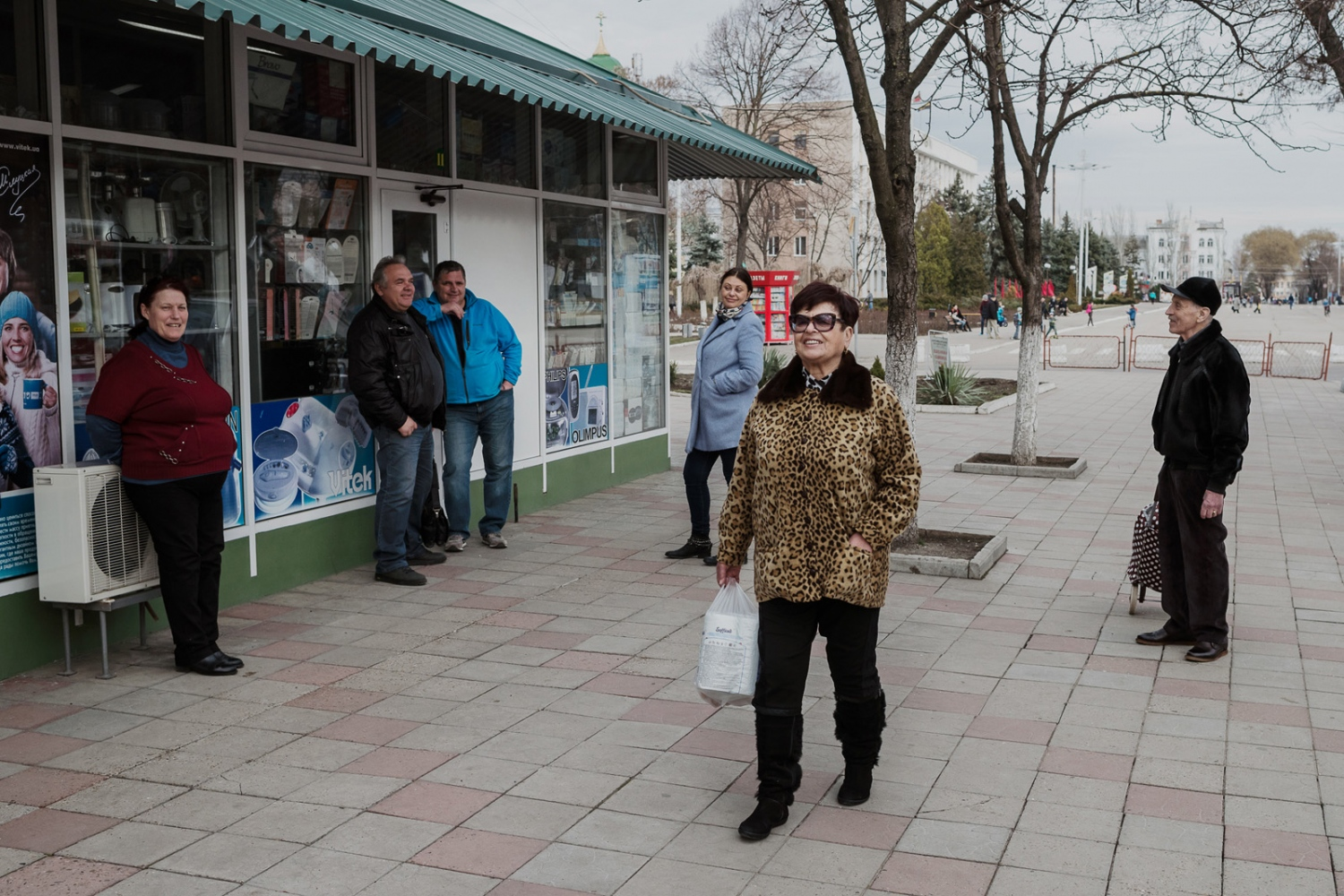 Even though its a public holiday, Defender of Fatherland Day, there is not many people out in the streets of Benderi, a border town to Moldova. Around 40% of the Transdniestrian population are now pensioners.