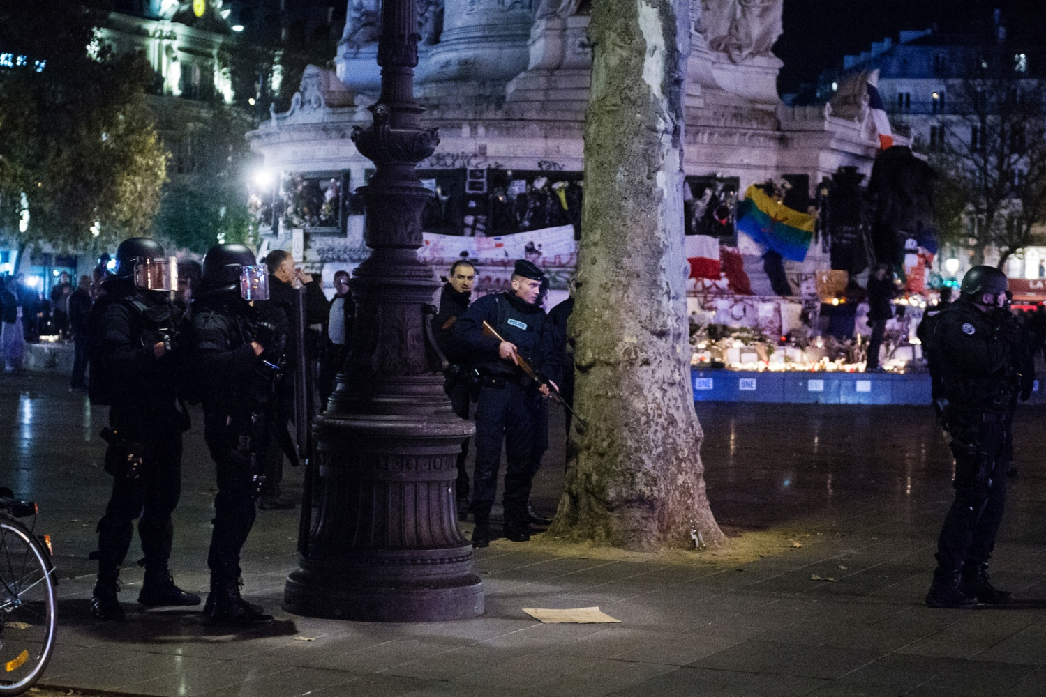 Panic breaks out as a false alarm about another shooting breaks out two nights after several coordinated terroristattacks killed over a hundred people in Paris, France.
