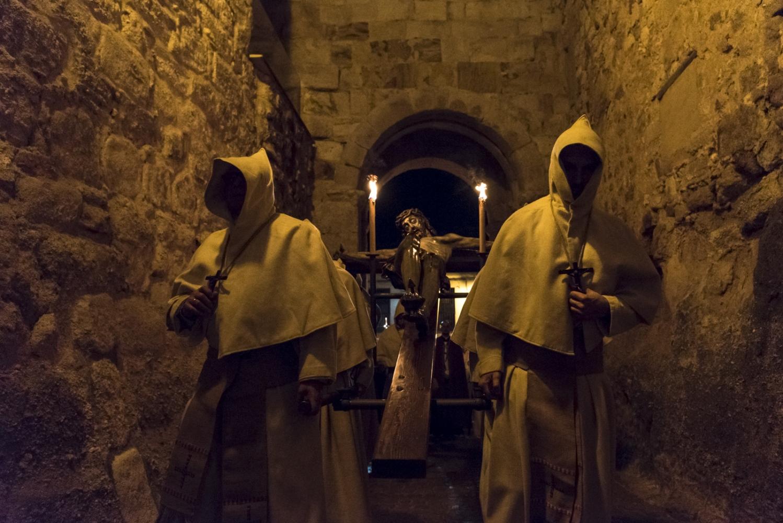 Art and Documentary Photography - Loading Holy_Week-AlbertoBarbaPardal-8.jpg