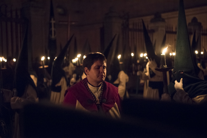 Art and Documentary Photography - Loading Holy_Week-AlbertoBarbaPardal-10.jpg