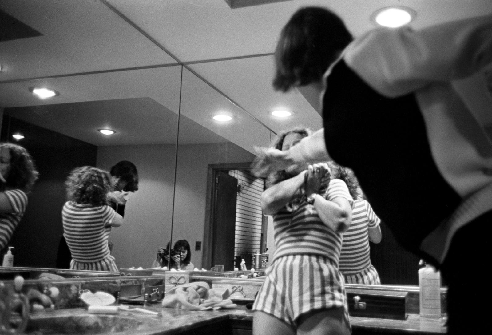 Art and Documentary Photography - Loading ___Donna_Ferrato_Press_3.jpg