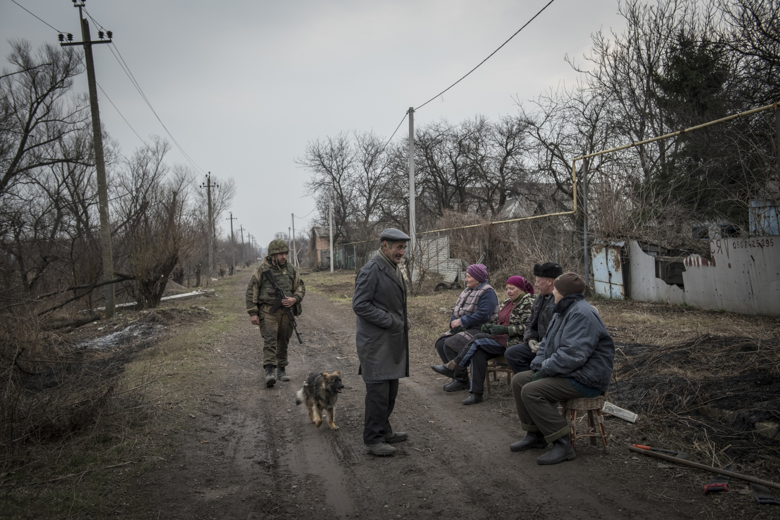Art and Documentary Photography - Loading Donbass_stories_-_Spartaco_e_Liza_06.jpg