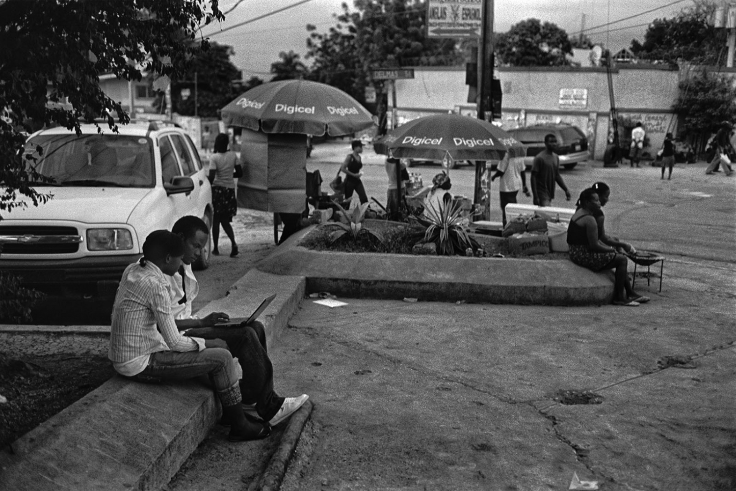 Art and Documentary Photography - Loading ___photo_Juan_Carlos_Haiti_0007.jpg