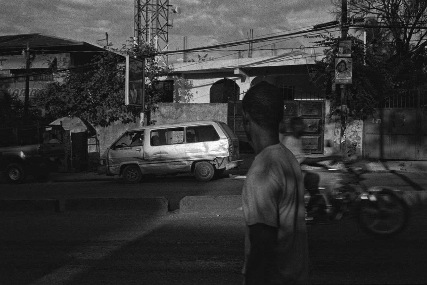 Art and Documentary Photography - Loading ___photo_Juan_Carlos_Haiti_0021.jpg