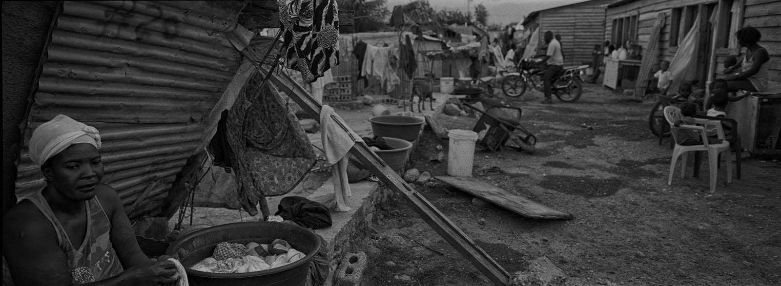 Art and Documentary Photography - Loading ___photo_Juan_Carlos_Haiti_0023.jpg