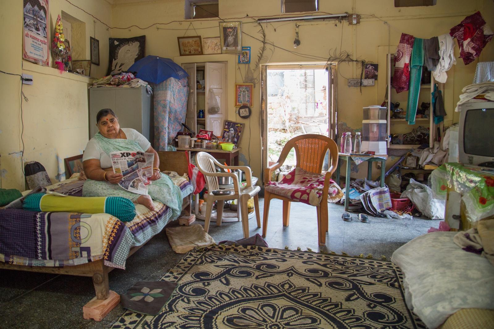 Art and Documentary Photography - Loading AlinaFedorenko_HomesOFindia11.jpg