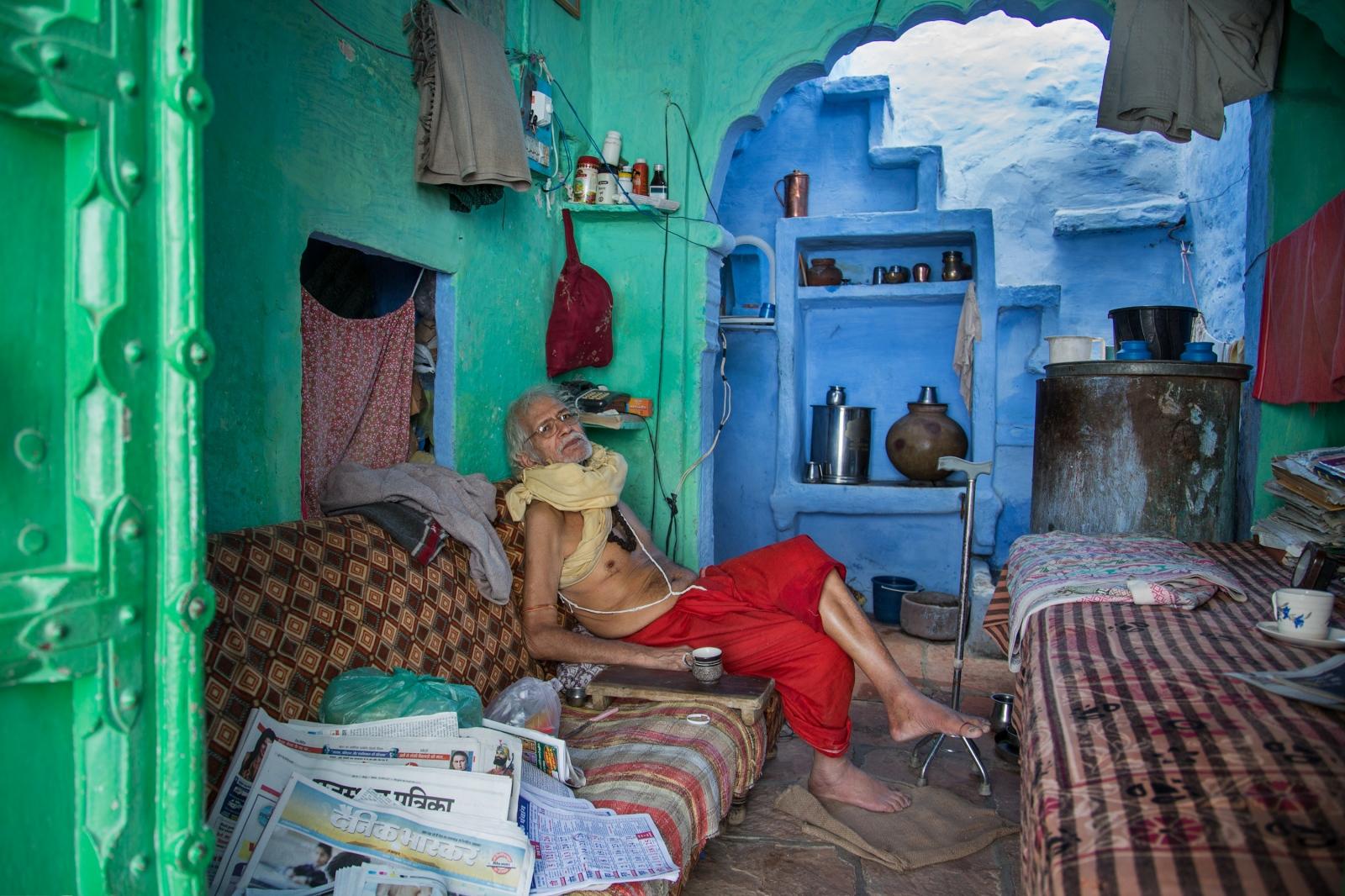 Art and Documentary Photography - Loading AlinaFedorenko_HomesOFindia12.jpg