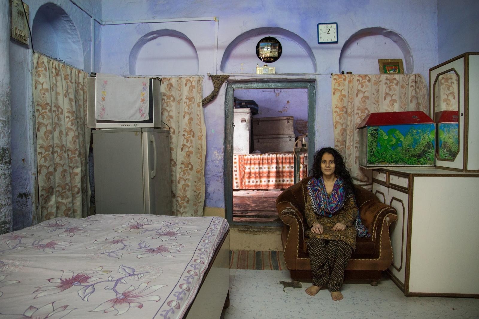 Art and Documentary Photography - Loading AlinaFedorenko_HomesOFindia13.jpg