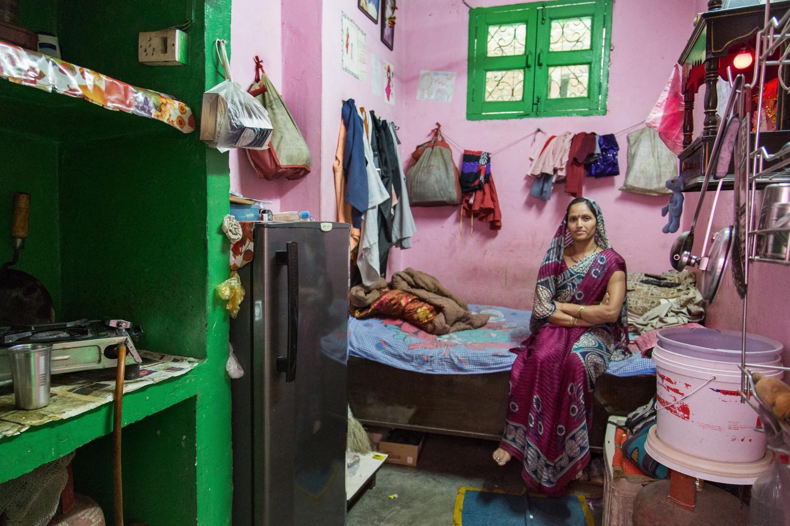 Art and Documentary Photography - Loading AlinaFedorenko_HomesOFindia15.jpg