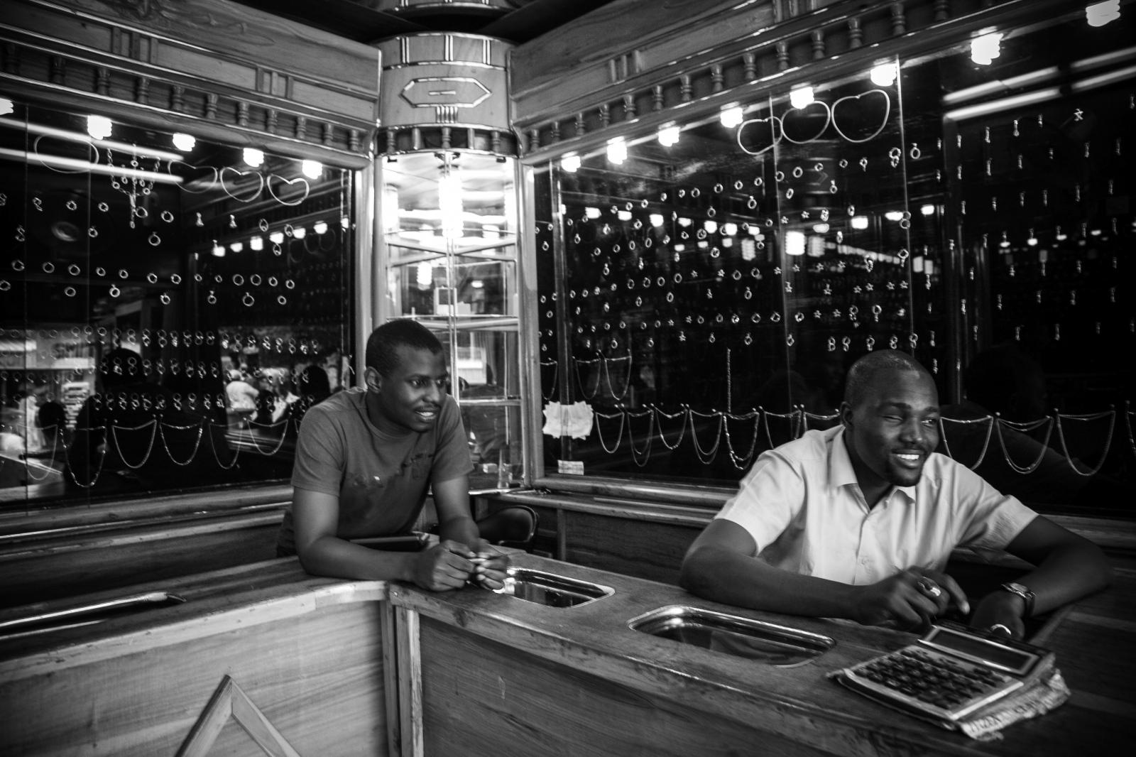 Art and Documentary Photography - Loading nigeria_11__MG_1071.jpg