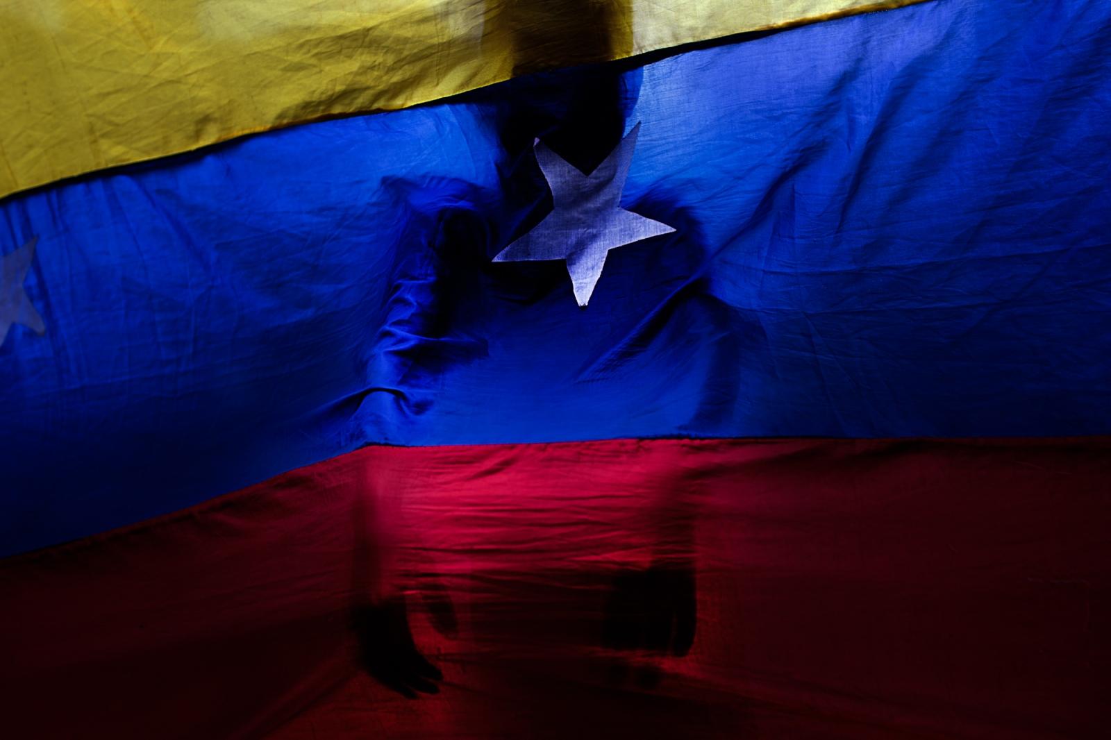 Art and Documentary Photography - Loading 020_VenezuelanUnrest_20170710_1300-Edit_Protestas.jpg