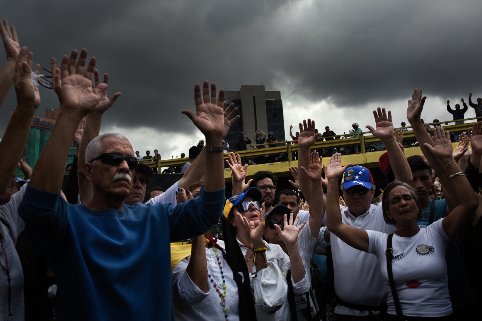 Art and Documentary Photography - Loading 018_VenezuelanUnrest_20170511_637-Edit_Protestas.jpg