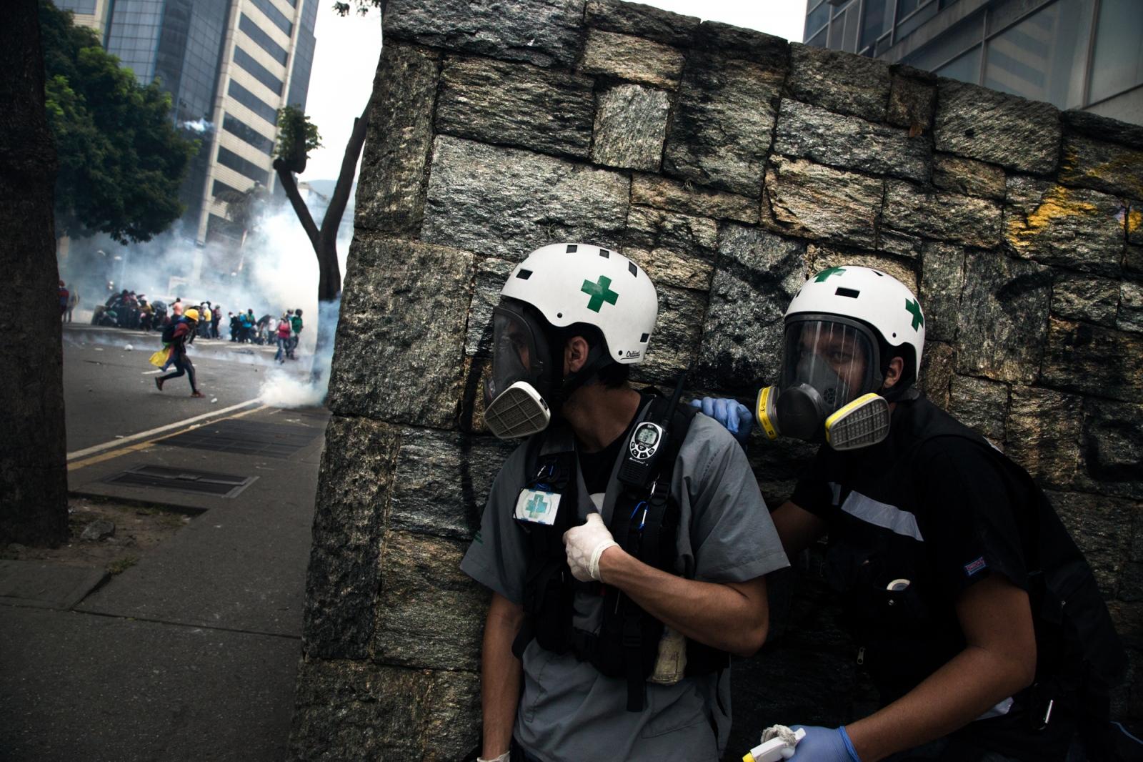 Art and Documentary Photography - Loading 013_VenezuelanUnrest_20170508_610-Edit_Protestas.jpg