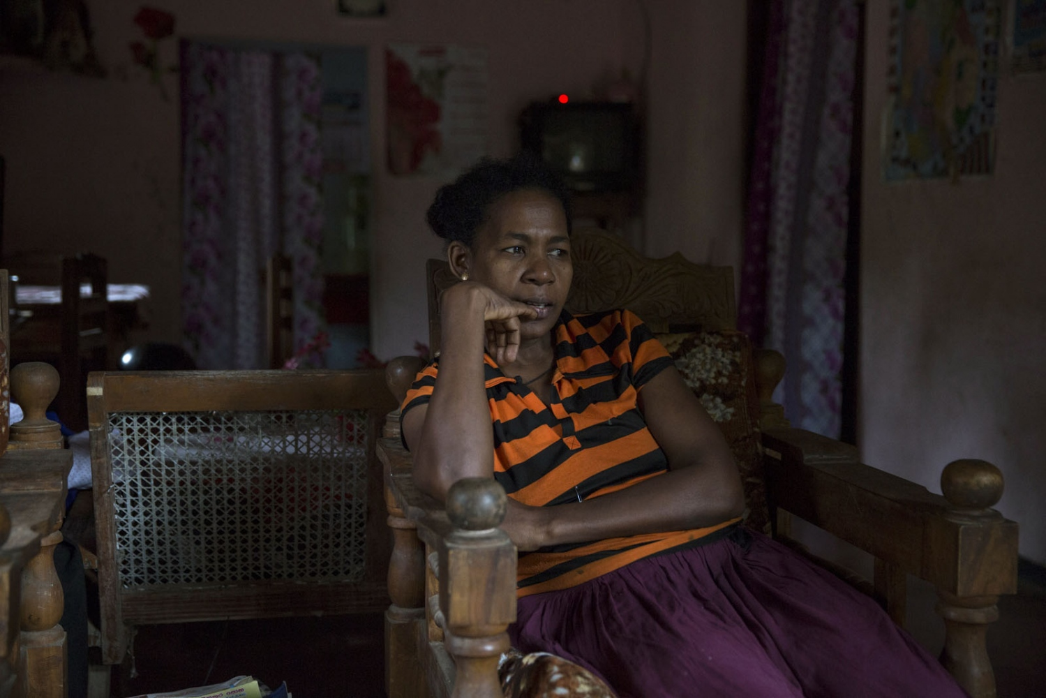 Sherin Alexander, President of the Ceylon African Society, in her house in Siriambadiya, Sri Lanka. - January 2017