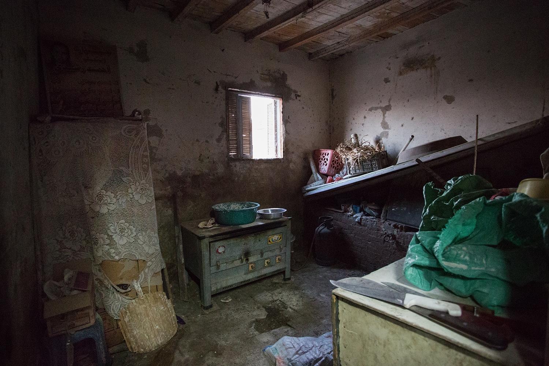 Art and Documentary Photography - Loading AlinaFedorenkoCityoftheDead7.jpg
