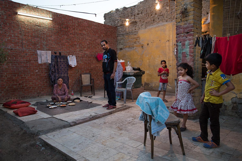 Art and Documentary Photography - Loading AlinaFedorenkoCityoftheDead11.jpg