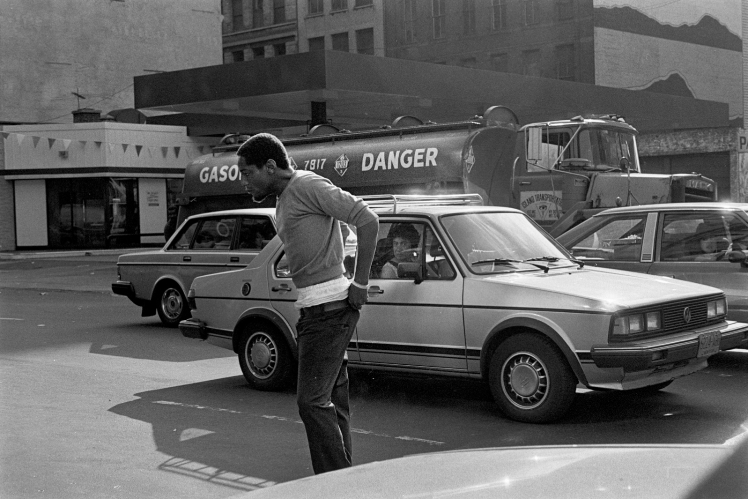 Man pushed to the breaking point, gets his head together and pulls up his pants. 42nd St, 1981