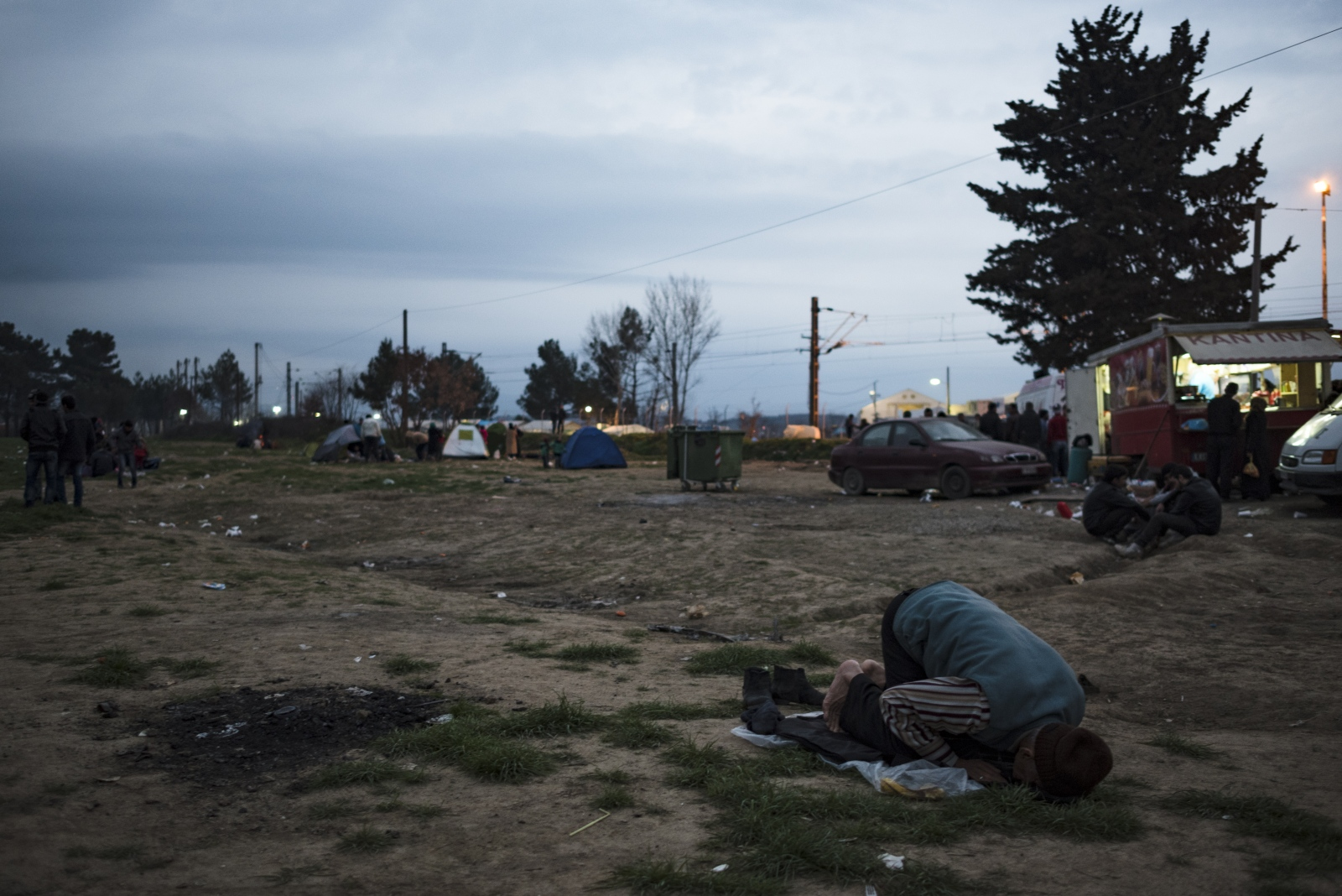 Art and Documentary Photography - Loading Idomeni2016-15.jpg