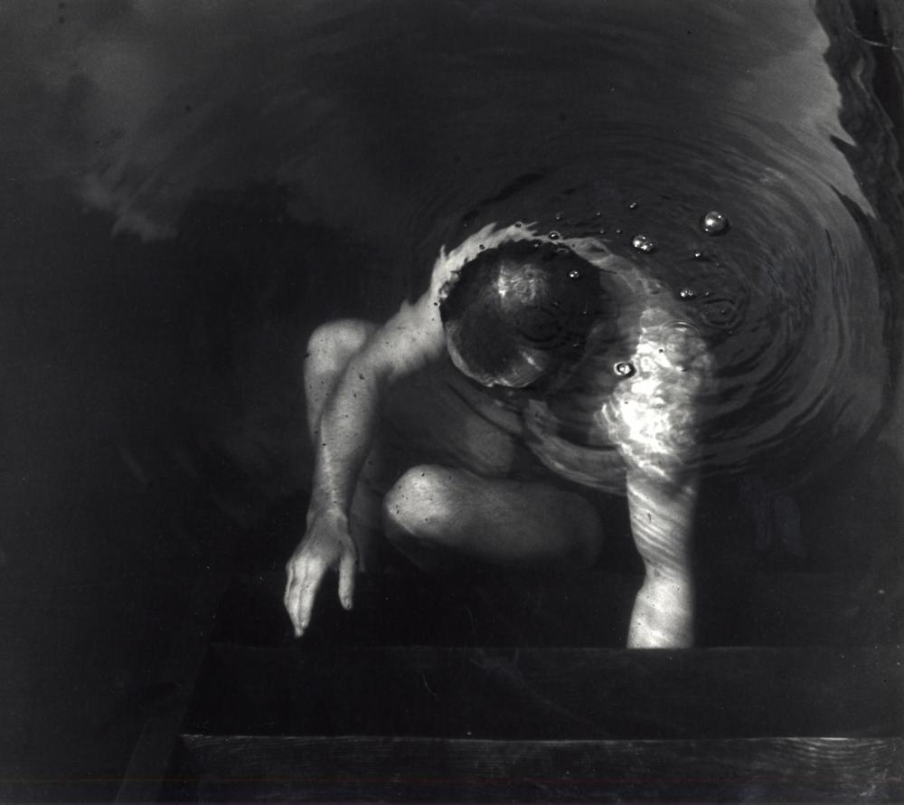 Photography image - Loading man_under_water_1977_for_v.jpg