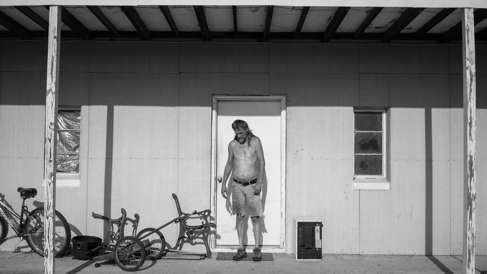 Art and Documentary Photography - Loading KANSAS-19.jpg