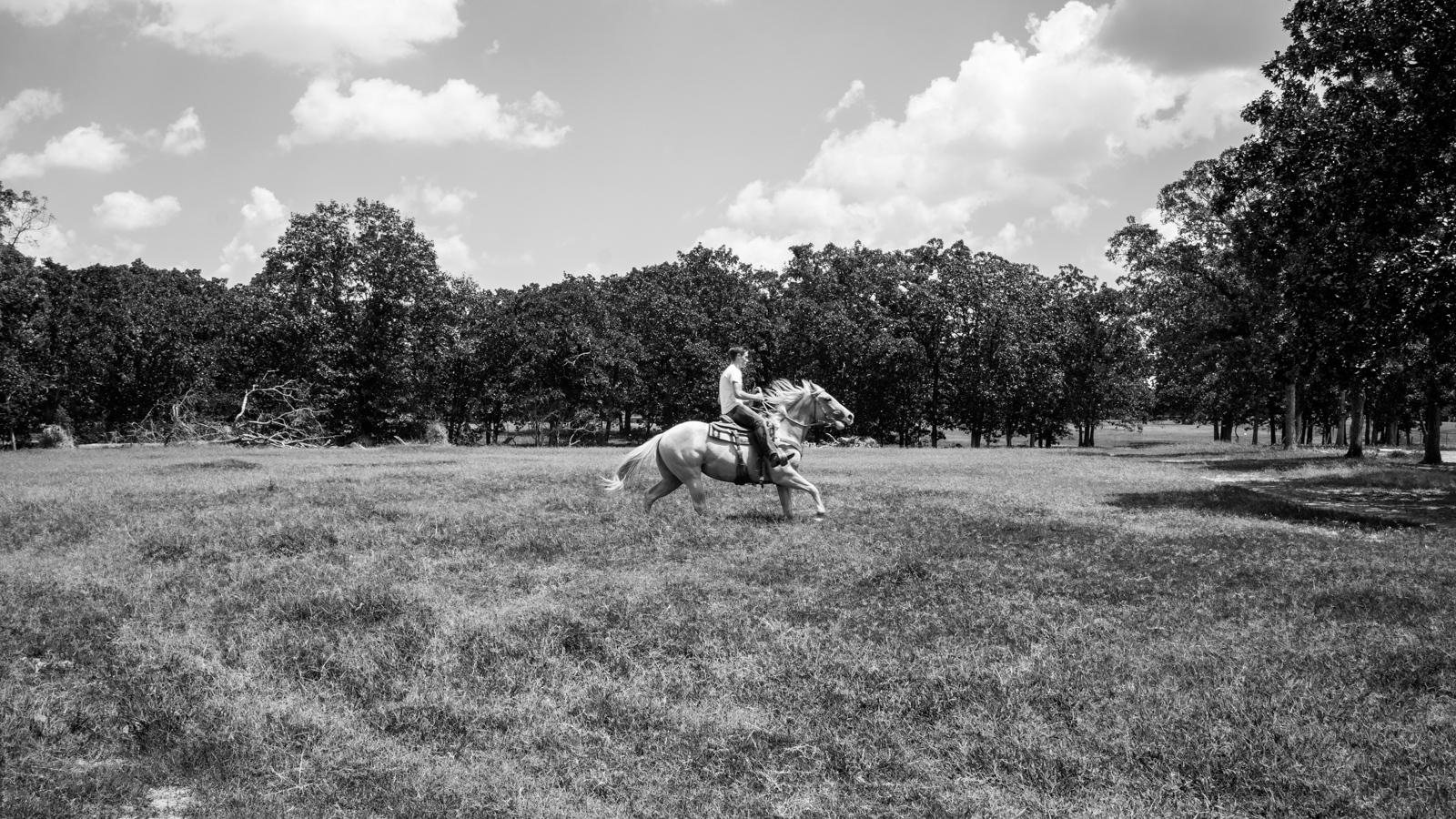 Art and Documentary Photography - Loading KANSAS-22.jpg