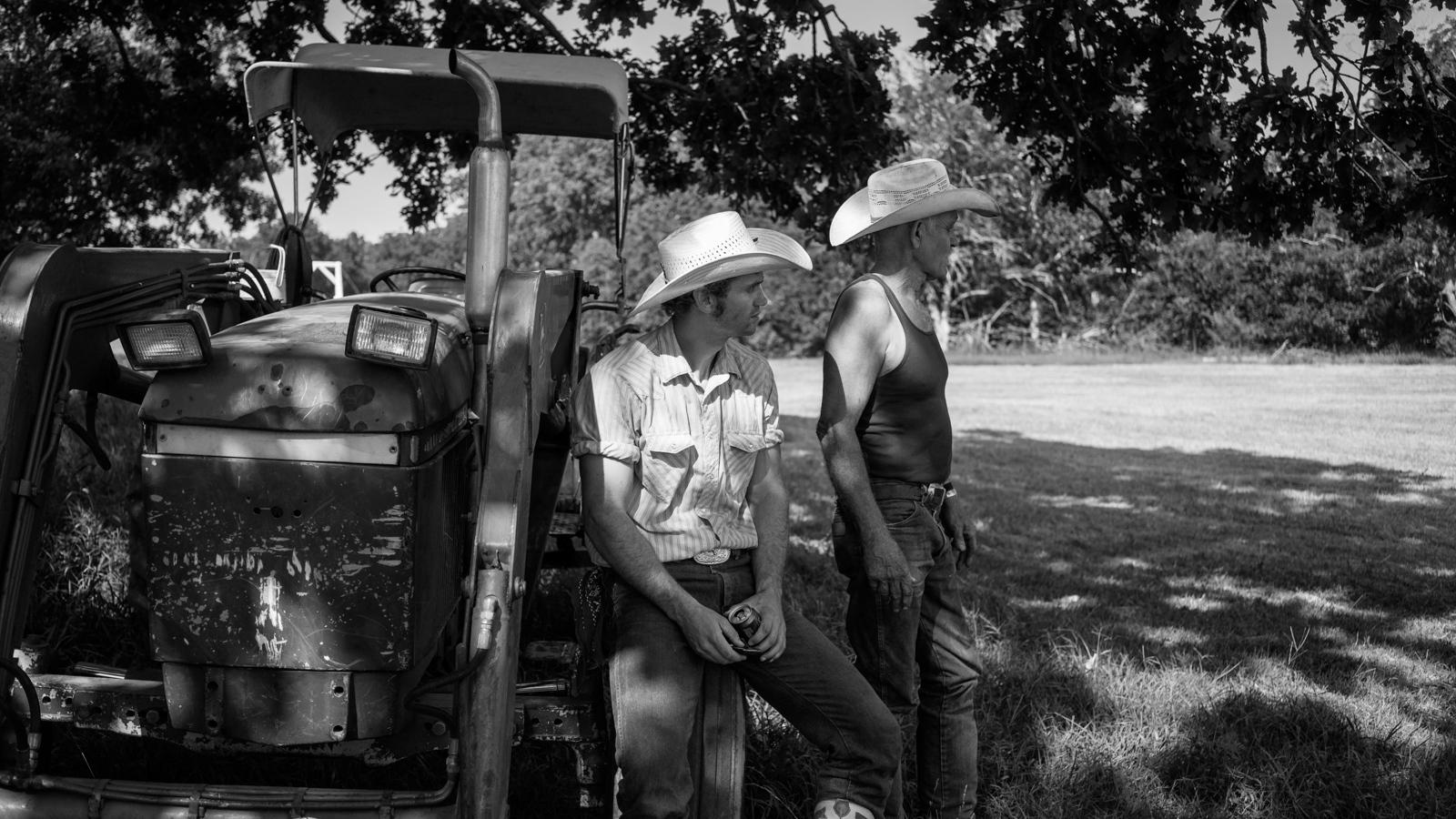 Art and Documentary Photography - Loading KANSAS-23.jpg