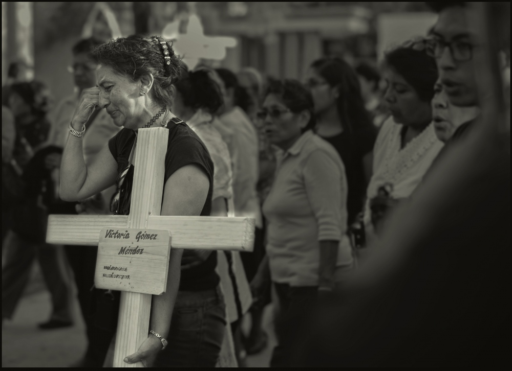 Photography image - Loading Oaxaca.burial.grief.DdlM.2017.PLTv2psd.jpg