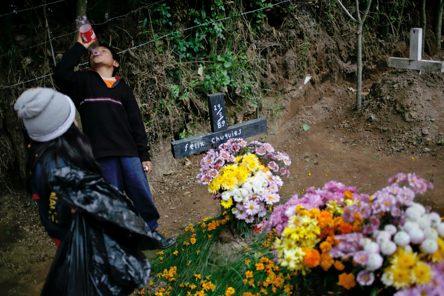 Art and Documentary Photography - Loading Muertos_Guatemala08.JPG