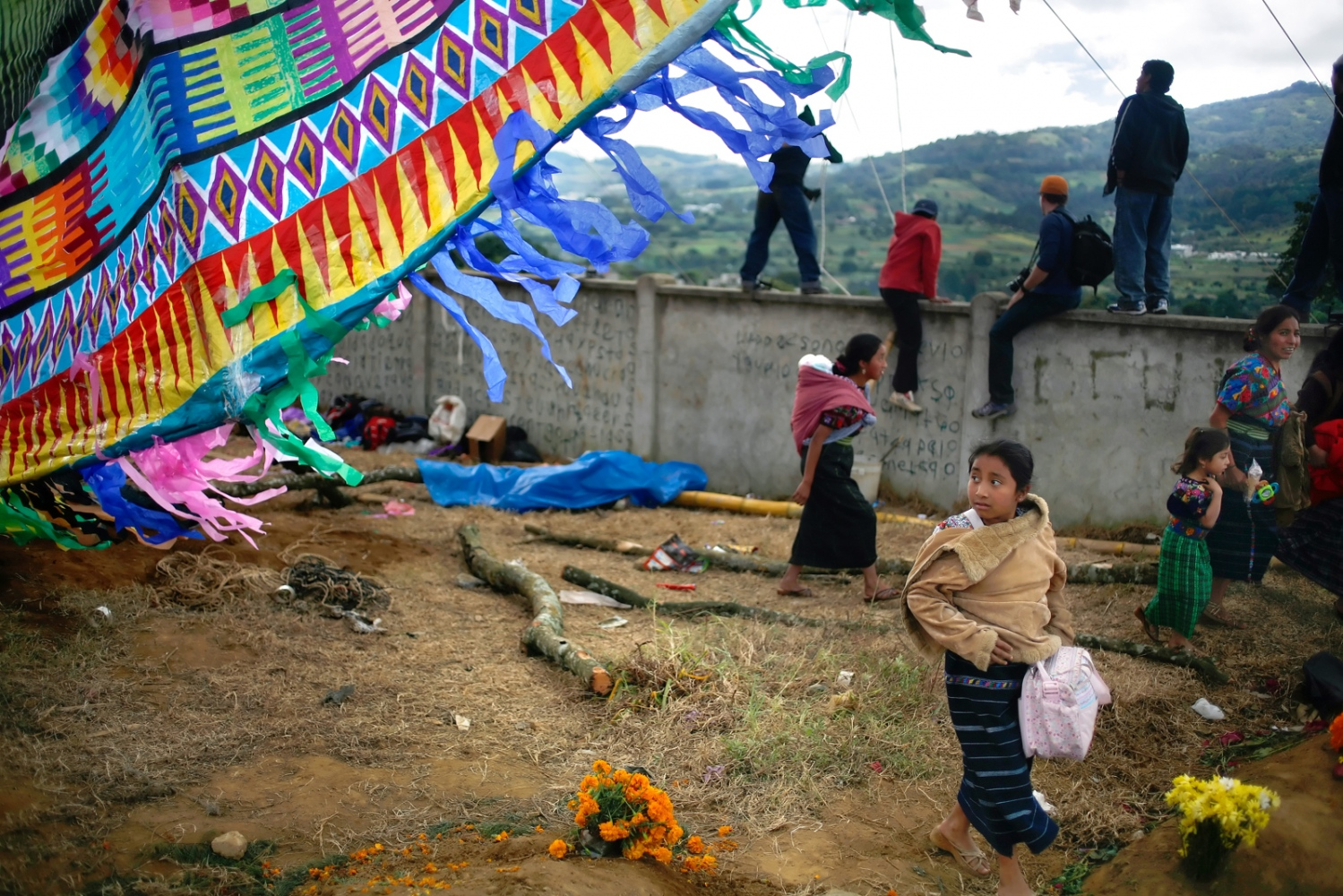 Art and Documentary Photography - Loading Muertos_Guatemala20.JPG