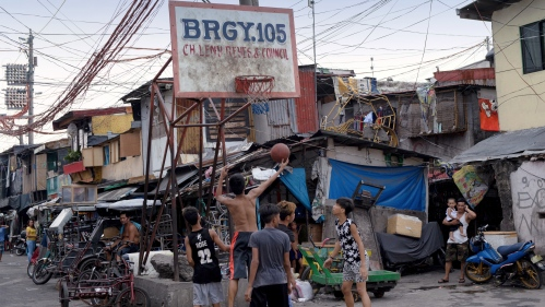 Manila's Forgotten People - A Life In Happyland - Photography project by Ted McDonnell