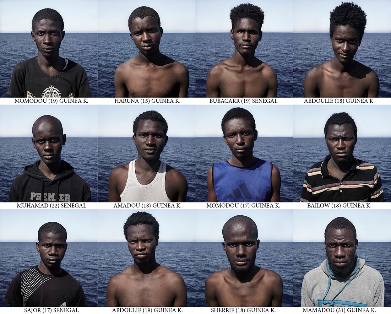 Art and Documentary Photography - Loading Passengers_Cesar_Dezfuli4.jpg