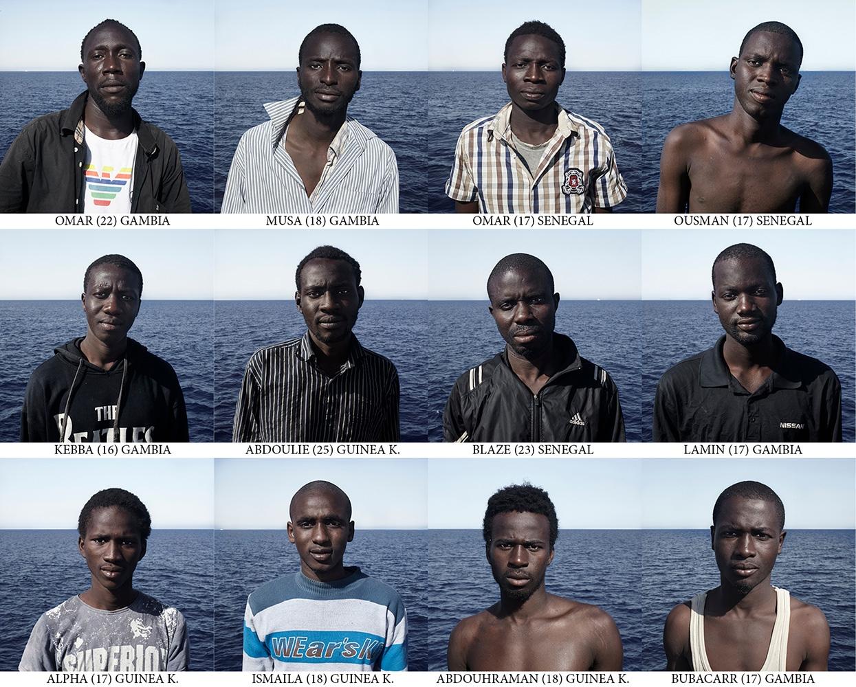 Art and Documentary Photography - Loading Passengers_Cesar_Dezfuli.jpg