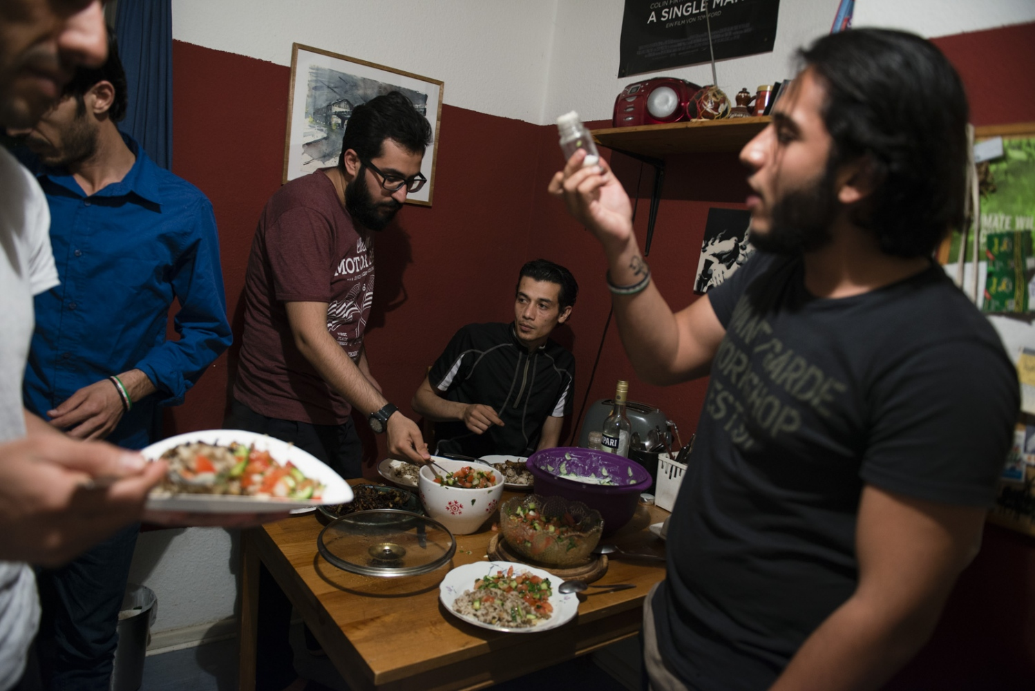 BERLIN  | GERMANY | 2016-06-04 | A group of Syrian activists who are now in exile as refugees in Germany, come together every other week to discuss politics, read poetry and share food.