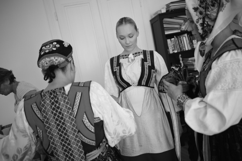 donning the headband worn by unmarried women