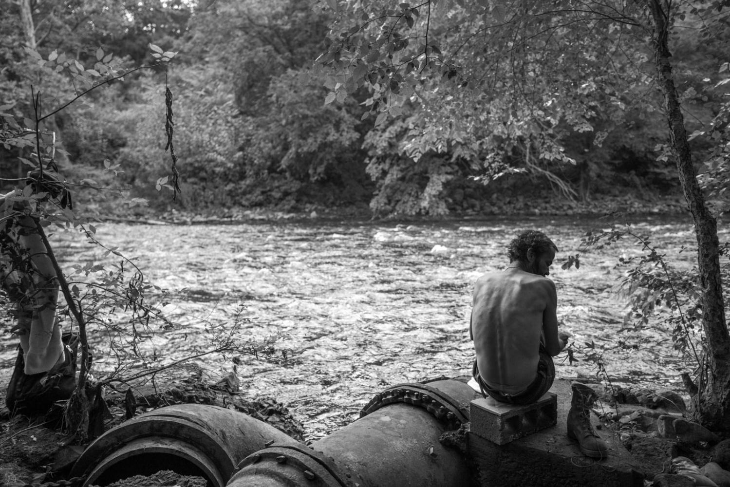 Art and Documentary Photography - Loading 23_HomeoftheBrave.jpg