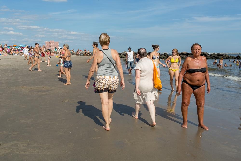 Art and Documentary Photography - Loading Brighton_Beach_2017_-_August_13-10.jpg