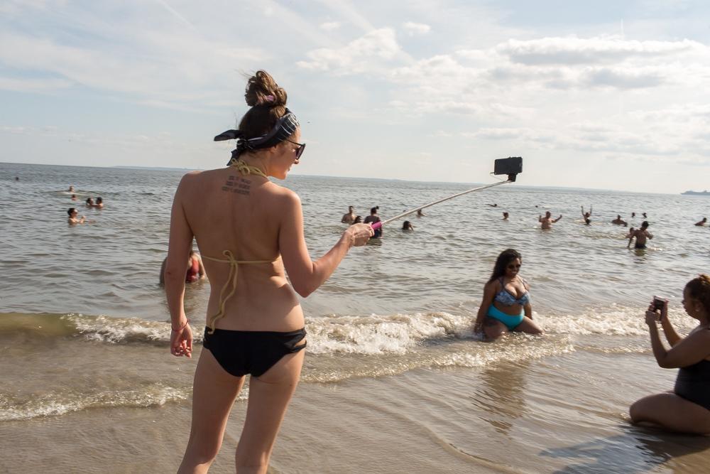 Art and Documentary Photography - Loading Brighton_Beach_2017_-_August_13-22.jpg